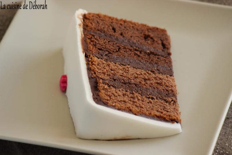 gâteau en pâte à sucre, thème fleurs • la cuisine de déborah